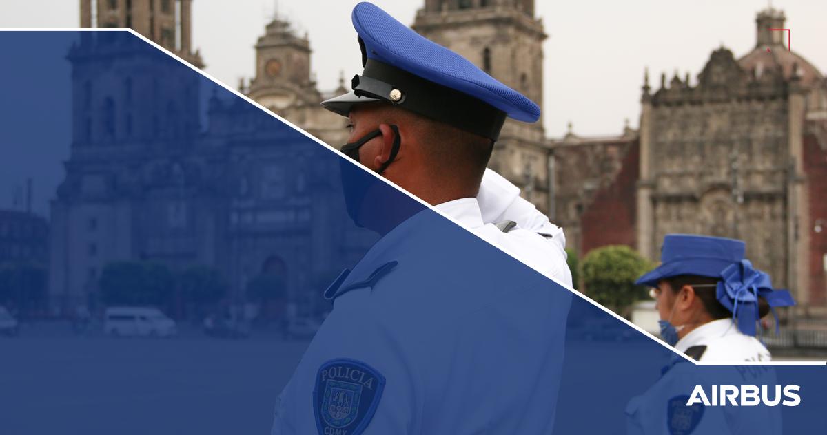 Policías de la CDMX en el Zócalo